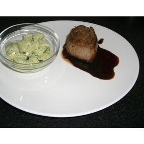 Fleisch /Filetsteak mit Rotweinreduktion